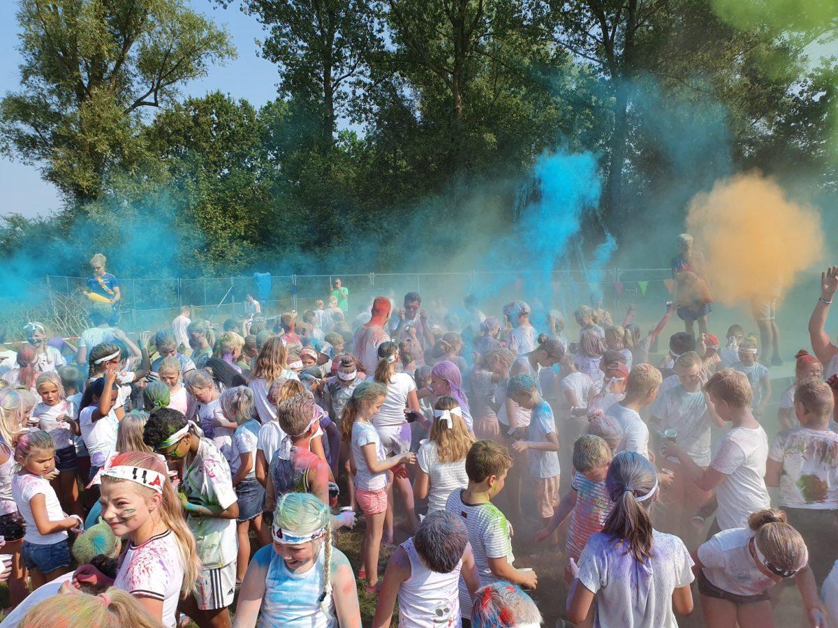 Festiviteiten bij bouwplaats Campus Damwâld in Freonen-gemeente Dantumadiel