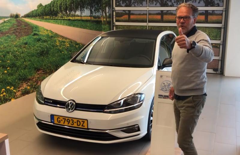 Cambuur-trainer Henk de Jong rijdt in Freonen-auto op groengas