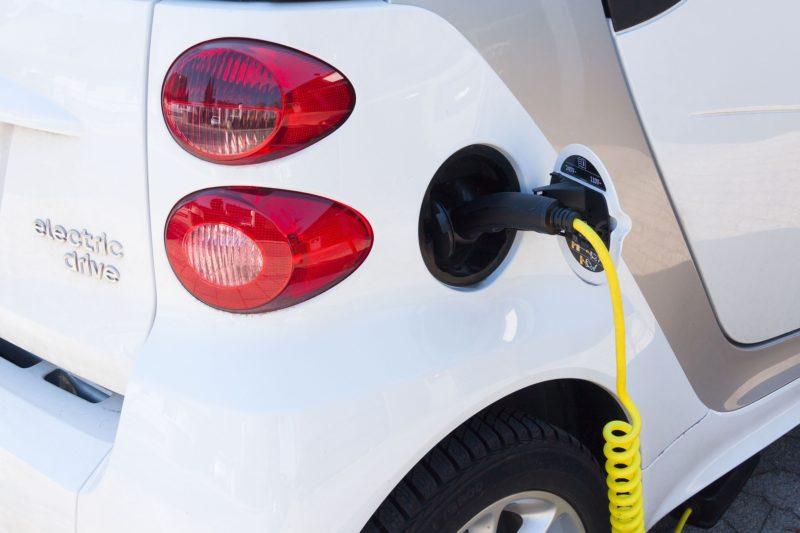 H2-platform pleit voor aparte snelheidsstrook emissievrij vervoer op snelweg