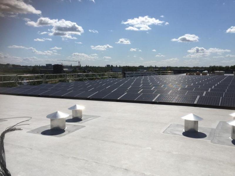 Mensonides Installatie voert zonnepanelenproject uit in Heerenveen