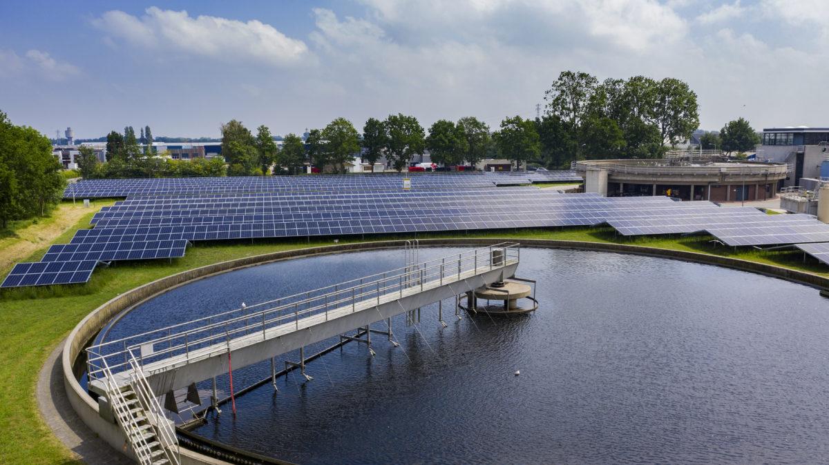 Wetterskip Fryslân en Groenleven realiseren zonnebronnen op rioolwaterzuiveringsinstallaties