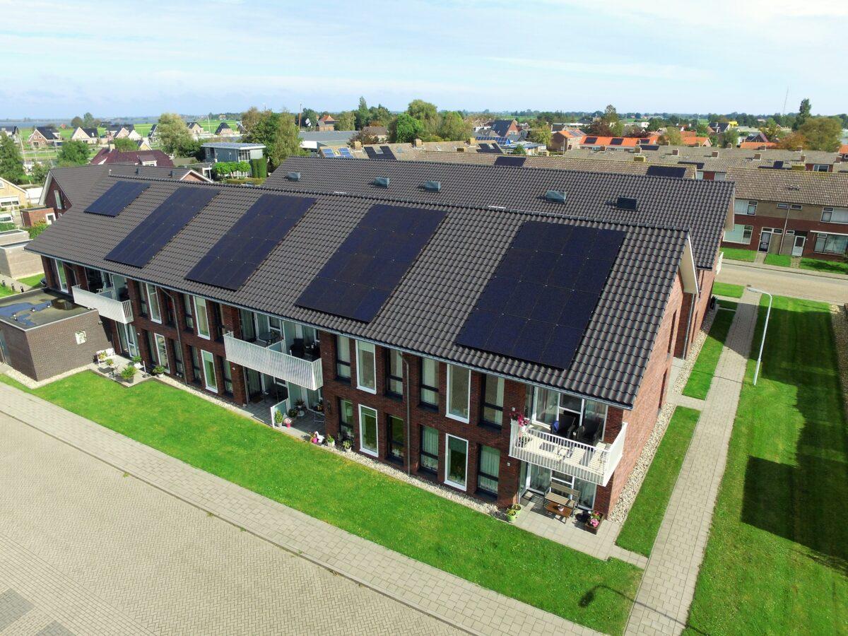 Energiewacht Groep verduurzaamt ruim 800 woningen met zonnepanelen