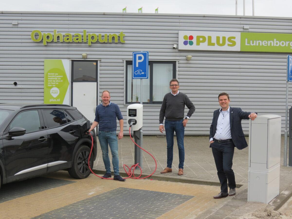 Autogroep Haaima en EV-Solutions leveren elektrische auto en laadinfrastructuur aan PLUS-supermarkt Harlingen