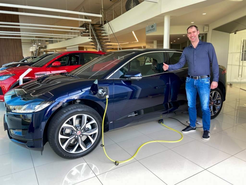 Bourguignon Lease levert 100% elektrische Jaguar I-Pace aan klant
