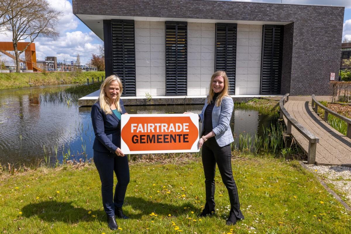 Faitrade-status voor Freonen-gemeente Achtkarspelen: wethouder ontvangt certificaat