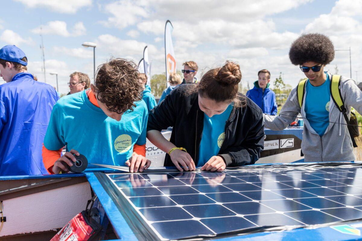Young Solar Challenge-zonneboten strijken neer in Franeker op 3 juli